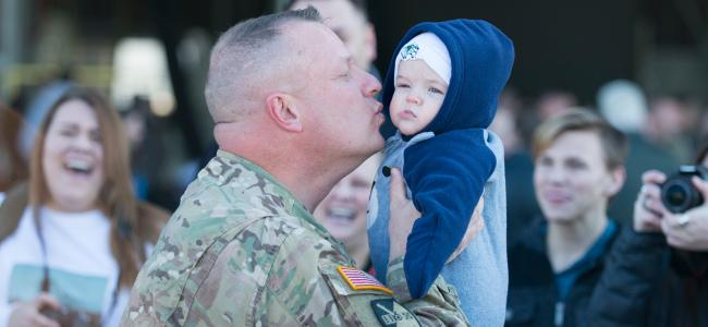 Utah guardsman returns to family