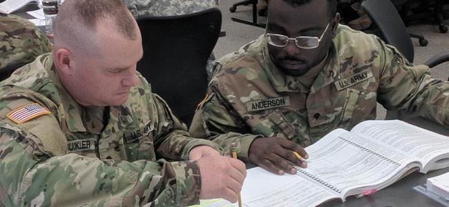 Guardsmen Studying_ARMY